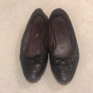 Authentic used Chanel size 7 without box
